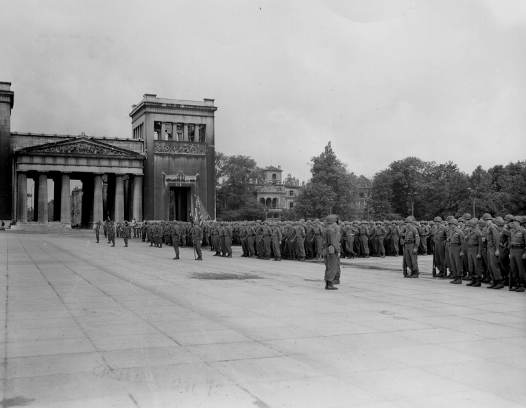 45th Inf Div ceremonies Kings Plaza Munich May 45.jpg